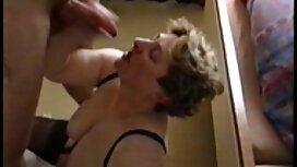 Julkisilla erotiikkavideot paikoilla on vaikeaa.