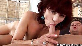 Nainen yrittää tehdä sisko ja veli porno castingia.