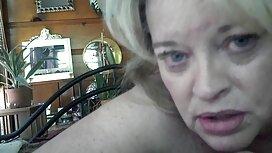 Blondi Masturboi saunassa. ilmaise porno