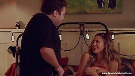 Regan, syö suomalaiset pornovideot nuori mies kylpyhuoneessa