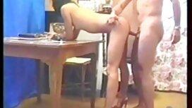 Mies vitun nuori tyttö naisten porno sängyssä iso valkoinen kulli