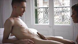 Mies, tyttö kylpyhuoneessa puutarhassa eroottista pornoa