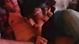 Amerikkalaiset asettuivat äidinkieltään tussun lesbo pornoa alle joulupukille joulukuusen lähelle.